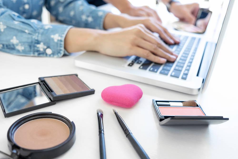 Comprar maquillaje por Internet de manera segura